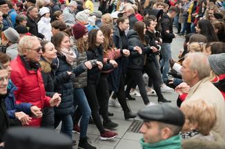 Bild 35   Faschingsbeginn mit den Wiener Tanzschulen: Stephansplatz wird zum größten Open-Air-Tanzsaal ...