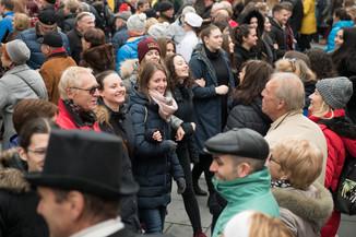 Bild 36   Faschingsbeginn mit den Wiener Tanzschulen: Stephansplatz wird zum größten Open-Air-Tanzsaal ...
