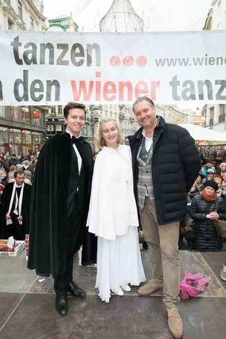 Bild 49   Faschingsbeginn mit den Wiener Tanzschulen: Stephansplatz wird zum größten Open-Air-Tanzsaal ...