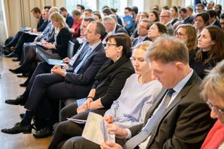 Bild 20 | Präsentation des Faktenchecks Green Finance