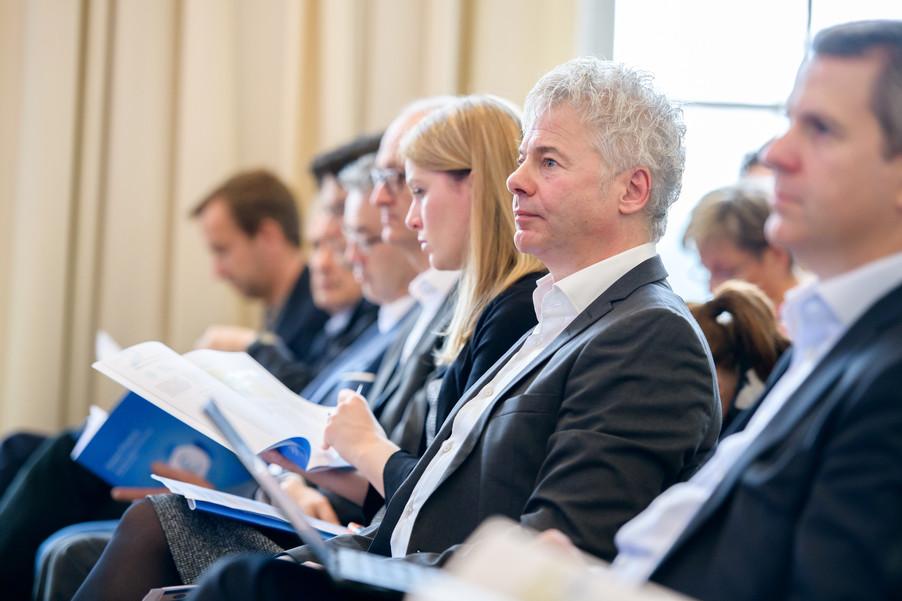 Bild 27 | Präsentation des Faktenchecks Green Finance