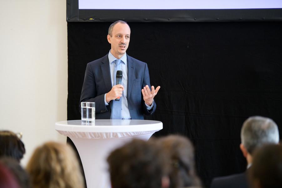 Bild 32 | Präsentation des Faktenchecks Green Finance