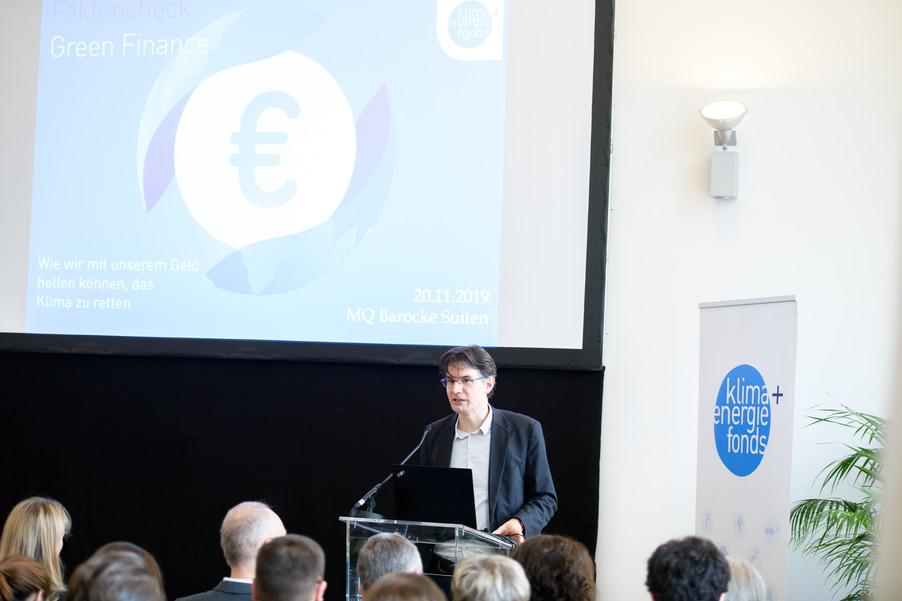 Bild 43 | Präsentation des Faktenchecks Green Finance