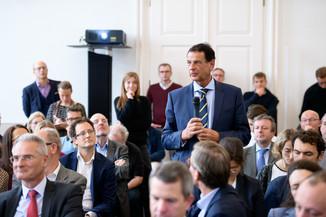 Bild 53 | Präsentation des Faktenchecks Green Finance