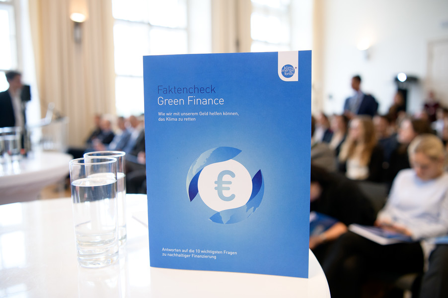 Bild 55 | Präsentation des Faktenchecks Green Finance