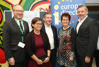 Bild 8 | SALZBURG - 2019-11-25: Die EU und die Medien Europapolitische Bildungsarbeit im Klassenzimmer Im ...