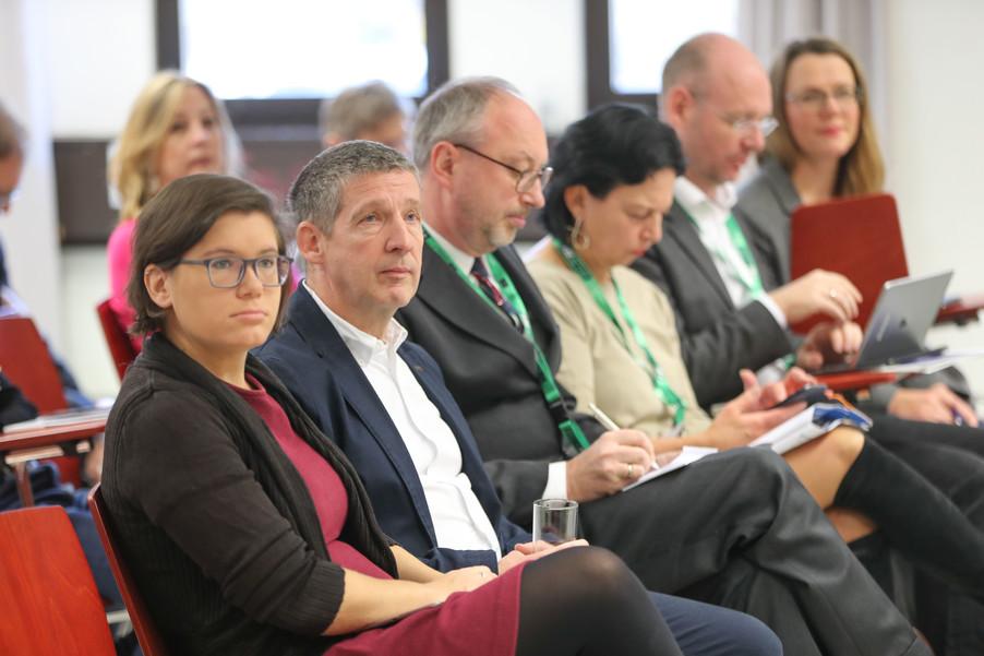Bild 22 | SALZBURG - 2019-11-25: Die EU und die Medien Europapolitische Bildungsarbeit im ...