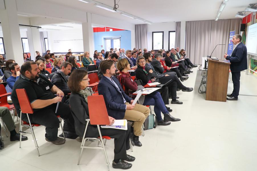 Bild 45 | SALZBURG - 2019-11-25: Die EU und die Medien Europapolitische Bildungsarbeit im ...