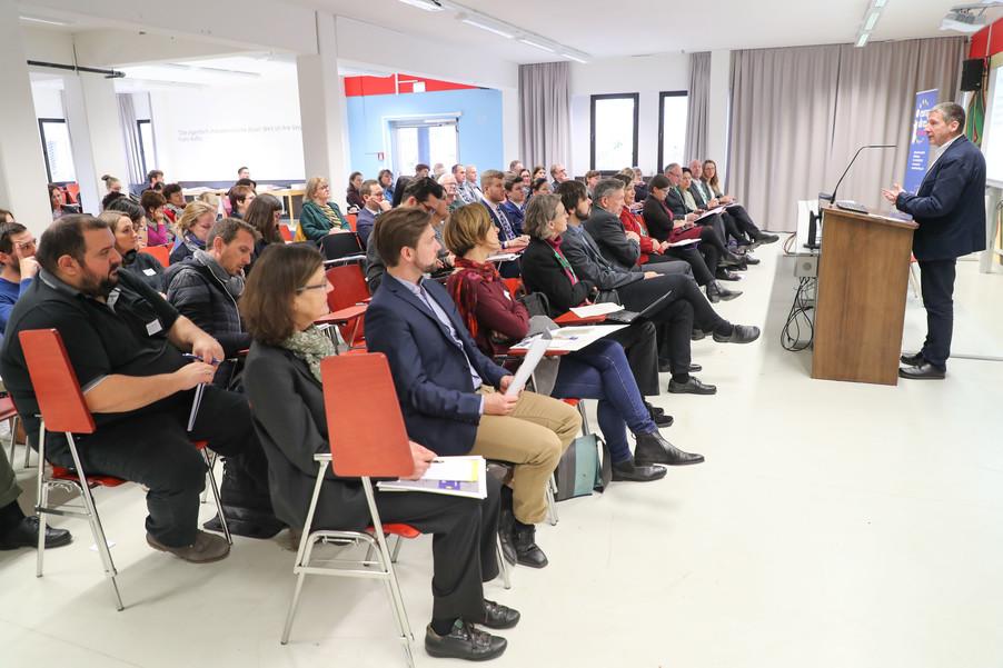 Bild 46 | SALZBURG - 2019-11-25: Die EU und die Medien Europapolitische Bildungsarbeit im ...