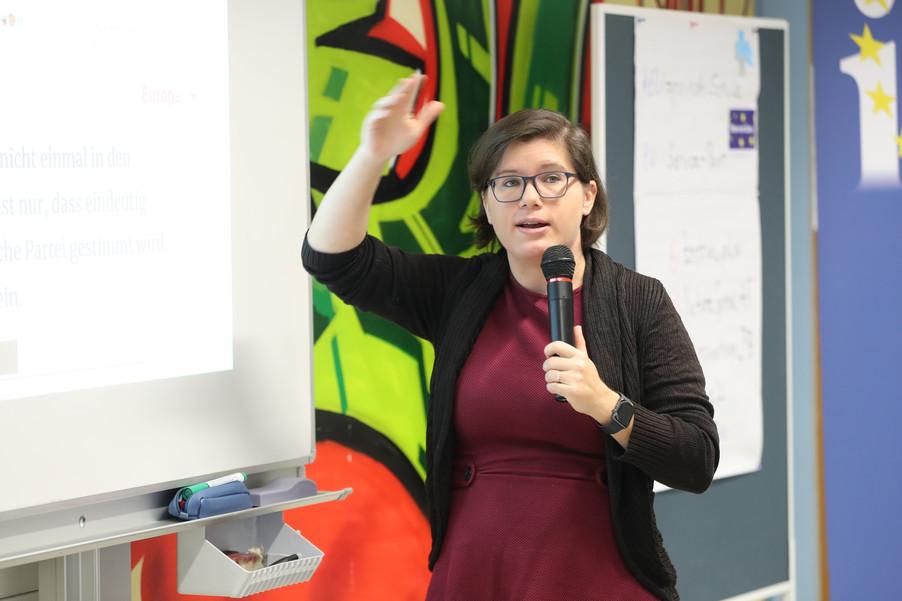 Bild 48 | SALZBURG - 2019-11-25: Die EU und die Medien Europapolitische Bildungsarbeit im Klassenzimmer Im ...
