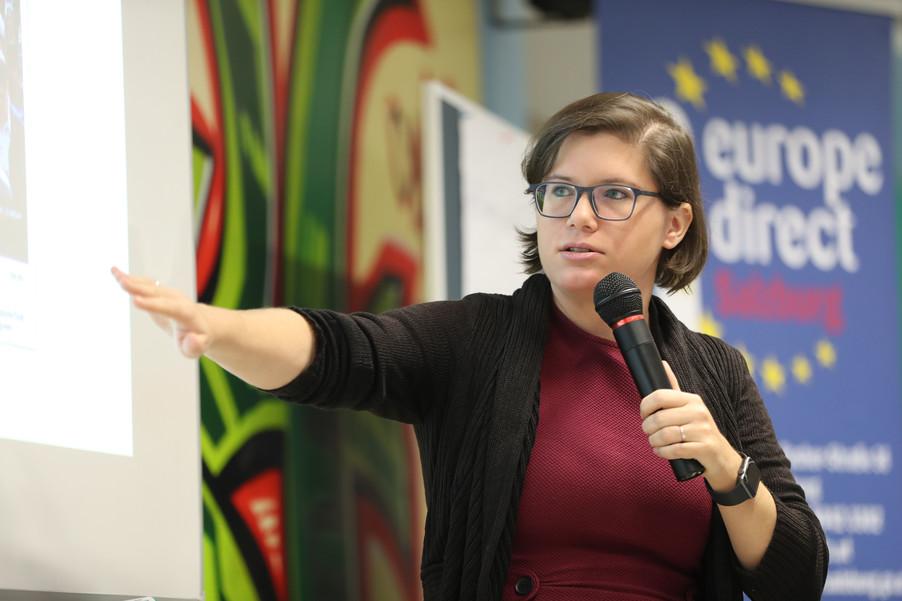 Bild 53 | SALZBURG - 2019-11-25: Die EU und die Medien Europapolitische Bildungsarbeit im Klassenzimmer Im ...