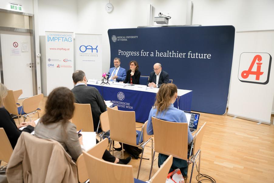 Bild 8 | Pressekonferenz zum Impftag 2020