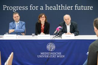 Bild 12 | Pressekonferenz zum Impftag 2020