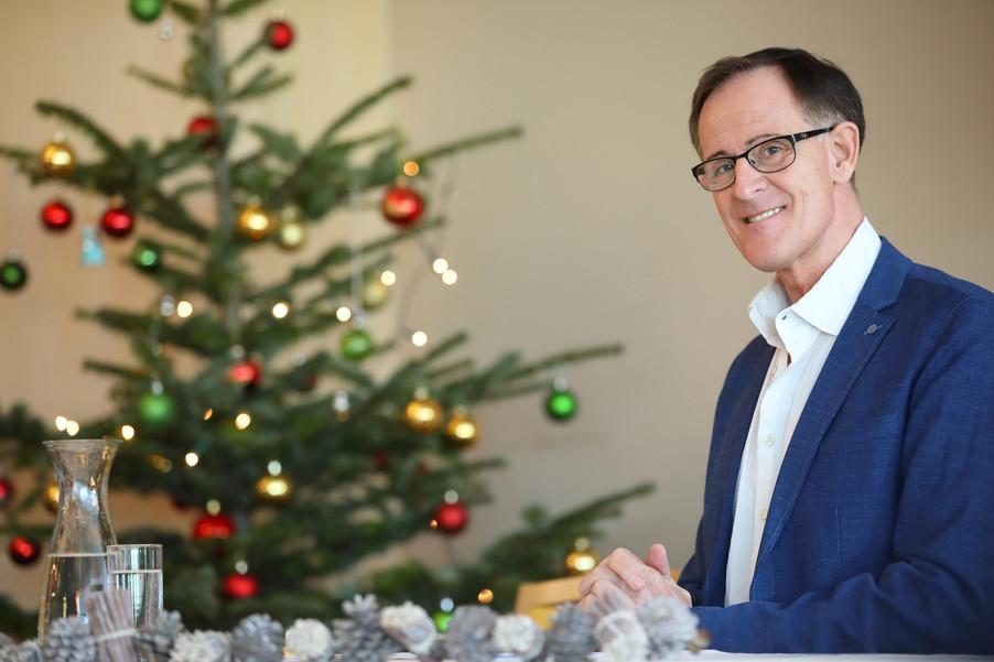 Bild 7   René Rumpold zu Weihnachten im Haus der Barmherzigkeit