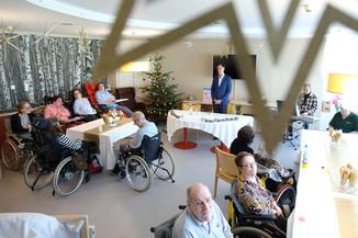 Bild 16   René Rumpold zu Weihnachten im Haus der Barmherzigkeit