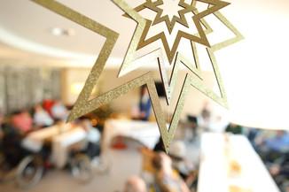 Bild 17   René Rumpold zu Weihnachten im Haus der Barmherzigkeit