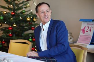 Bild 25   René Rumpold zu Weihnachten im Haus der Barmherzigkeit