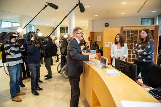 Bild 3 | Bundeskanzler Kurz, Vizekanzler Kogler und Sozialminister Anschober besuchen das Haus der ...