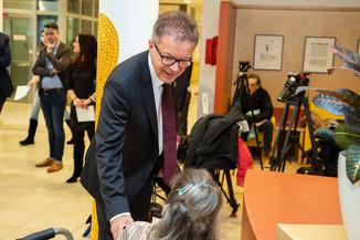 Bild 4 | Bundeskanzler Kurz, Vizekanzler Kogler und Sozialminister Anschober besuchen das Haus der ...