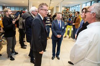 Bild 5 | Bundeskanzler Kurz, Vizekanzler Kogler und Sozialminister Anschober besuchen das Haus der ...