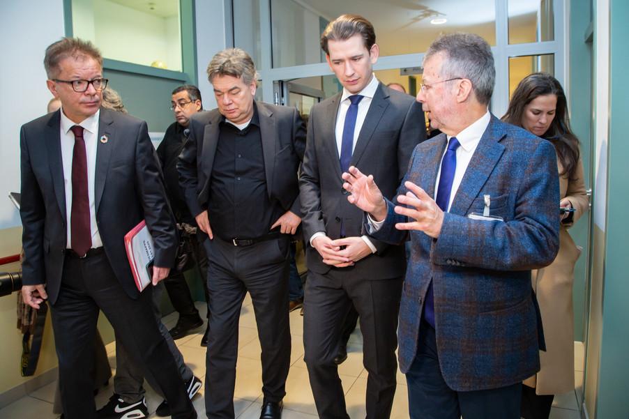 Bild 17 | Bundeskanzler Kurz, Vizekanzler Kogler und Sozialminister Anschober besuchen das Haus der ...