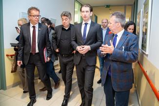 Bild 18 | Bundeskanzler Kurz, Vizekanzler Kogler und Sozialminister Anschober besuchen das Haus der ...