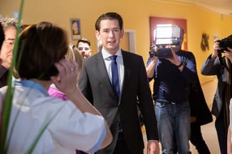 Bild 24 | Bundeskanzler Kurz, Vizekanzler Kogler und Sozialminister Anschober besuchen das Haus der ...
