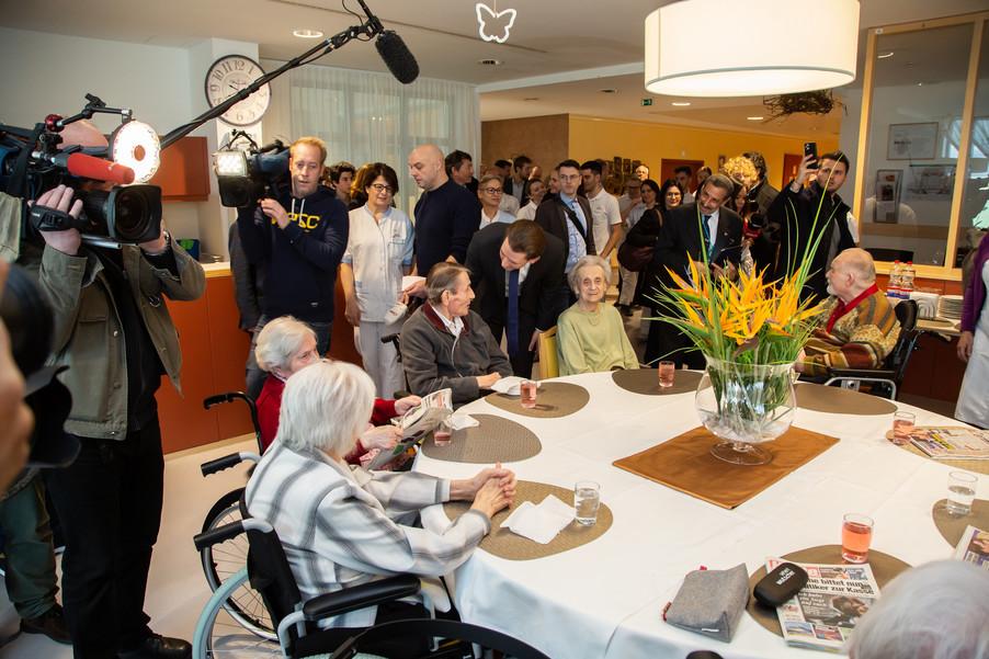 Bild 30 | Bundeskanzler Kurz, Vizekanzler Kogler und Sozialminister Anschober besuchen das Haus der ...