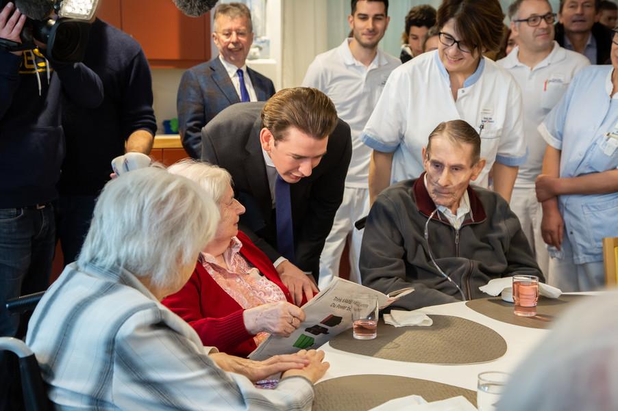 Bild 34 | Bundeskanzler Kurz, Vizekanzler Kogler und Sozialminister Anschober besuchen das Haus der ...