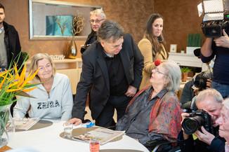 Bild 35 | Bundeskanzler Kurz, Vizekanzler Kogler und Sozialminister Anschober besuchen das Haus der ...