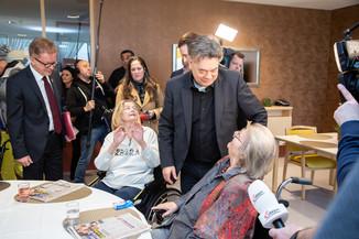 Bild 44 | Bundeskanzler Kurz, Vizekanzler Kogler und Sozialminister Anschober besuchen das Haus der ...