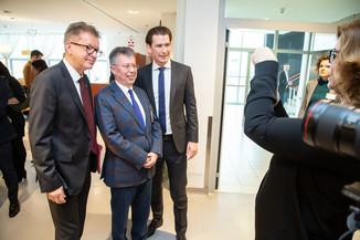 Bild 50 | Bundeskanzler Kurz, Vizekanzler Kogler und Sozialminister Anschober besuchen das Haus der ...