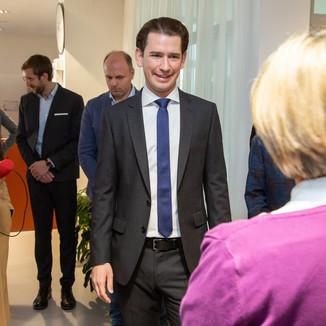 Bild 52 | Bundeskanzler Kurz, Vizekanzler Kogler und Sozialminister Anschober besuchen das Haus der ...