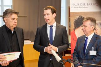 Bild 63 | Bundeskanzler Kurz, Vizekanzler Kogler und Sozialminister Anschober besuchen das Haus der ...