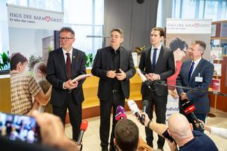 Bild 73 | Bundeskanzler Kurz, Vizekanzler Kogler und Sozialminister Anschober besuchen das Haus der ...