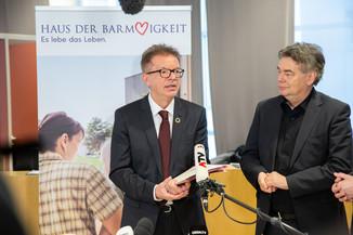 Bild 76 | Bundeskanzler Kurz, Vizekanzler Kogler und Sozialminister Anschober besuchen das Haus der ...