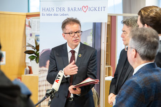 Bild 78 | Bundeskanzler Kurz, Vizekanzler Kogler und Sozialminister Anschober besuchen das Haus der ...