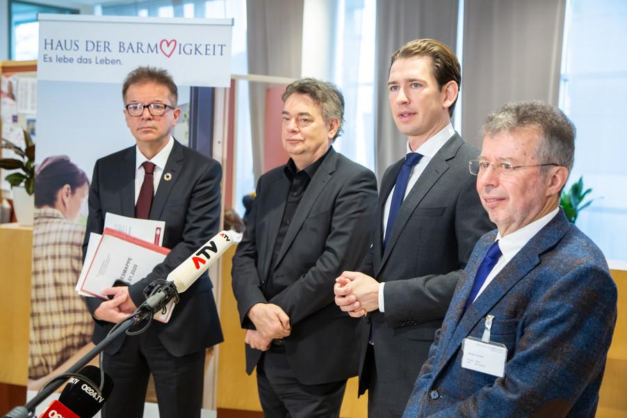 Bild 84 | Bundeskanzler Kurz, Vizekanzler Kogler und Sozialminister Anschober besuchen das Haus der ...
