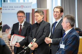 Bild 85 | Bundeskanzler Kurz, Vizekanzler Kogler und Sozialminister Anschober besuchen das Haus der ...