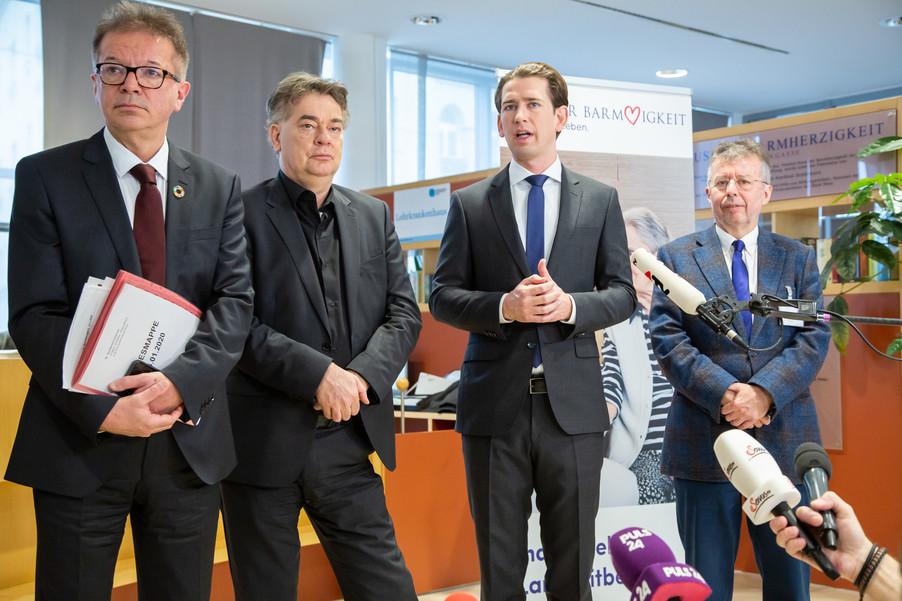 Bild 88 | Bundeskanzler Kurz, Vizekanzler Kogler und Sozialminister Anschober besuchen das Haus der ...