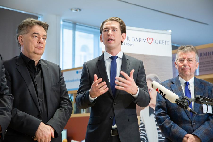 Bild 89 | Bundeskanzler Kurz, Vizekanzler Kogler und Sozialminister Anschober besuchen das Haus der ...