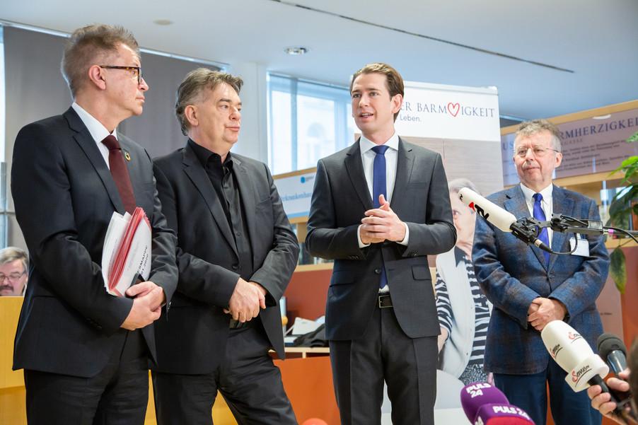 Bild 91 | Bundeskanzler Kurz, Vizekanzler Kogler und Sozialminister Anschober besuchen das Haus der ...