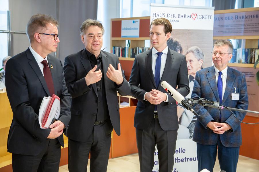 Bild 1 | Bundeskanzler Kurz, Vizekanzler Kogler und Sozialminister Anschober besuchen das Haus der ...