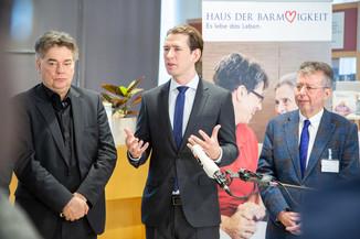 Bild 94 | Bundeskanzler Kurz, Vizekanzler Kogler und Sozialminister Anschober besuchen das Haus der ...