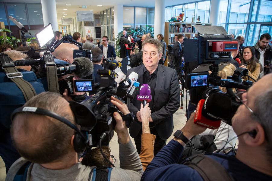 Bild 105 | Bundeskanzler Kurz, Vizekanzler Kogler und Sozialminister Anschober besuchen das Haus der ...