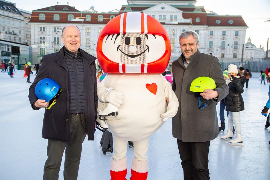 Bild 10 | Helm schützt - auch beim Eislaufen