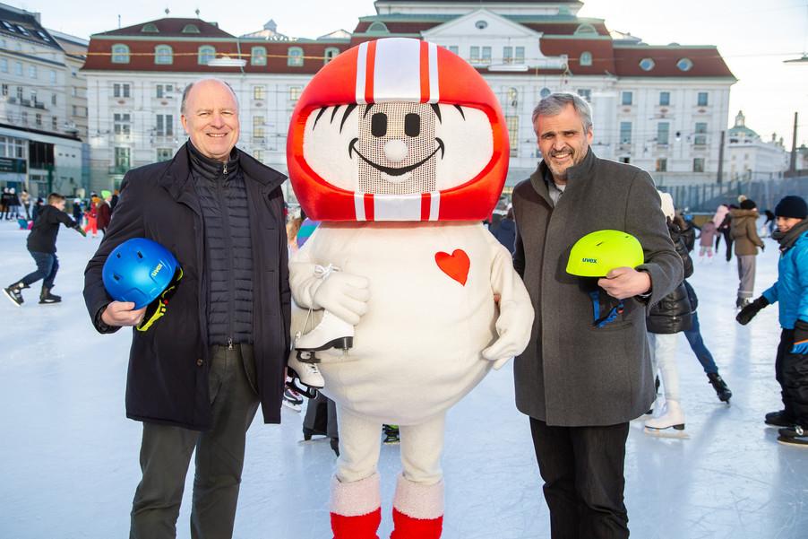Bild 11 | Helm schützt - auch beim Eislaufen