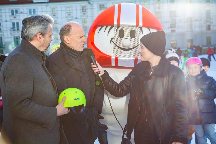 Bild 16 | Helm schützt - auch beim Eislaufen