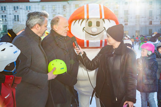 Bild 17 | Helm schützt - auch beim Eislaufen