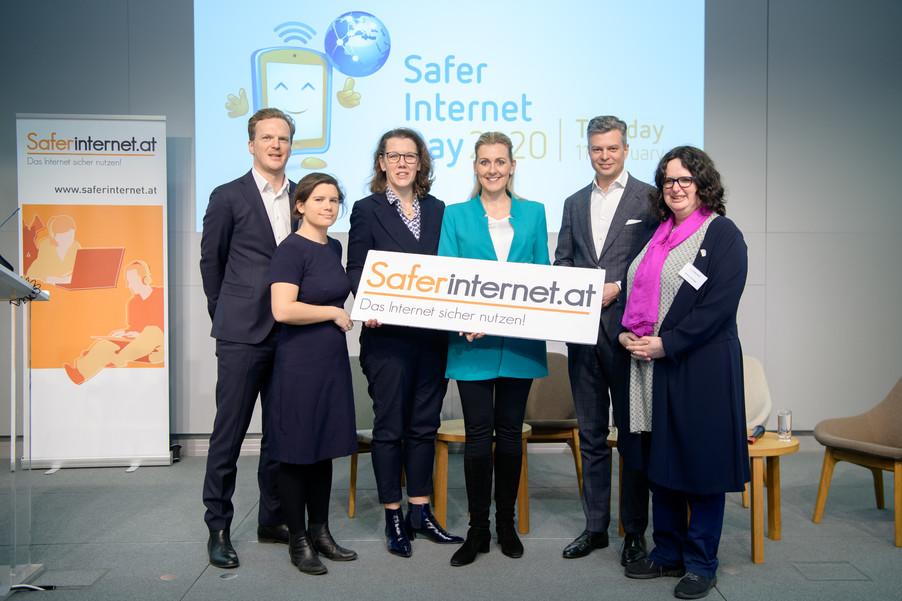 Bild 1   Safer Internet – Aufwachsen in der digitalen Welt